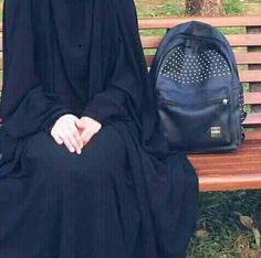 Stylish Hijab, Hijab Chic, Cute Muslim Couples, Muslim Girls, Mode Abaya, Mode Hijab, Beautiful Muslim Women, Beautiful Hijab, Hijabi Girl