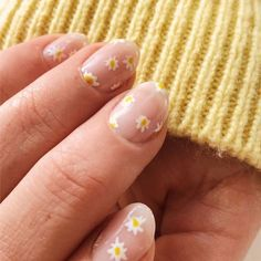 30 Shockingly Easy Nail Designs You Can Totally Do at Home : 5 Nail Art Ideas That Require Zero Skill (But Still Look Impressive) We get it—nail art is hard, but these easy nail designs are fit for even the most inexperienced nail artists. Cute Acrylic Nails, Cute Nails, Pretty Nails, Gel Nails, Coffin Nails, Nail Nail, Minimalist Nails, Simple Nail Designs, Nail Art Designs
