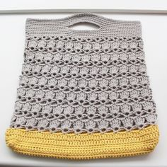 Lutter Idyl´s version of the Provence Summer String Bag. Pattern here www. thanks so xox Crochet Motifs, Crochet Tote, Crochet Handbags, Crochet Purses, Love Crochet, Crochet Stitches, Knit Crochet, Crochet Patterns, String Bag