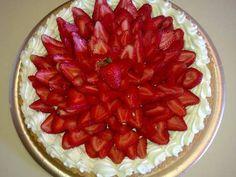 Fabulosa receta para Tarta de frutillas y chantilly . Llegando ya al veranito es época ideal para disfrutar de la frutillas