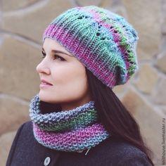 Вязаный комплект: шапочка и снуд. Knitted set: hat and cowl