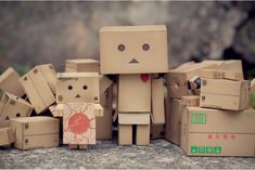 Blog Paper Toy papertoy Danbo outside2 Danbo, le robot en carton...