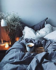 Home decored apartment bedroom colour gray Super Ideas Cozy Bedroom, Bedroom Inspo, Dream Bedroom, Bedroom Decor, Bedroom Inspiration, My New Room, My Room, Dorm Room, Ideas Dormitorios