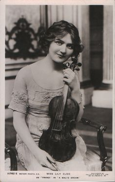 Lily Elsie and her violin!