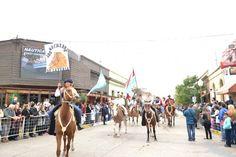 Desfile Cívco - Militar - Tradicionalista en la Plaza Principal de #LaPaz