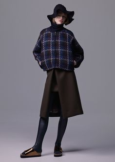 http://www.fashionsnap.com/collection/sacai/luck/2015-16aw/gallery/index3.php