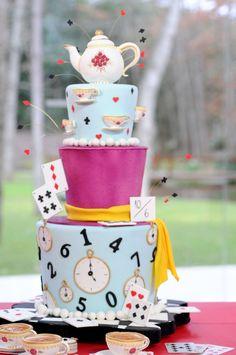 Alice in wonderland cake 2 Birthday, Cool Birthday Cakes, Alice In Wonderland Birthday, Alice In Wonderland Tea Party, Mad Hatter Cake, Alice Tea Party, Tsumtsum, Sweet 16 Parties, Creative Cakes