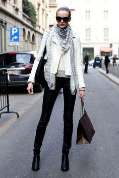Street fashion: modelki na Fashion Week Milano, fot. Imaxtree. I wish I had such legs :O