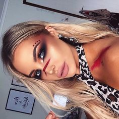 Sorry for the lack of posts, it's | WEBSTA - Instagram Analytics Indian Makeup Halloween, Halloween Makeuo, Halloween Eyes, Cavewomen Costume, Tribal Costume, Costume Carnaval, Costume Makeup, Red Festival Makeup, Eyebrow Makeup