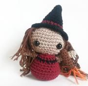 witch amigurumi free pattern halloween with video tutorial