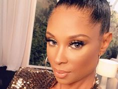 ' Jennifer Williams Sports 'Solid Gold' in Apparent Confessional Shoot for 'Basketball Wives' Natural Hair Art, Natural Hair Styles, Evelyn Lozada, Hip Hop Atlanta, In The Air Tonight, Jennifer Williams, Basketball Wives, Dark Skin Makeup, How To Become Rich