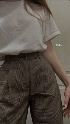 Korean Girl Fashion, Tomboy Fashion, Teen Fashion Outfits, Retro Outfits, Vintage Outfits, Swaggy Outfits, Cute Casual Outfits, Mode Ootd, Elegantes Outfit