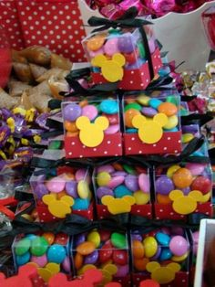 cx de confete Mickey/ Minnie