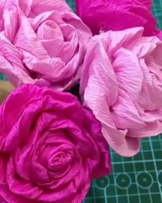 Easy Paper Crafts, Paper Crafts Origami, Tissue Paper Flowers, Paper Roses, Handmade Flowers, Diy Flowers, Unique Flowers, Diy Valentine's Gifts For Kids, Fleurs Diy