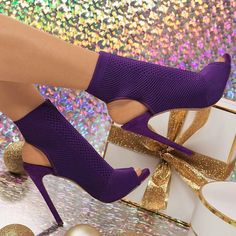 Pin by Benyamina on Sac in 2019 Hot Shoes, Crazy Shoes, Me Too Shoes, Women's Shoes, Pretty Shoes, Beautiful Shoes, Bootie Boots, Shoe Boots, Ankle Boots