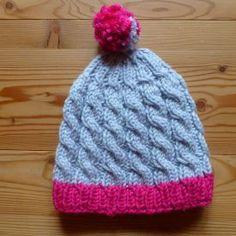 107 Mütze Glücksfrosch grau pink Bommel