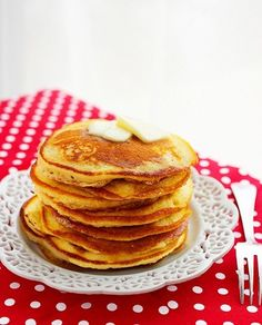 Fluffy Buttermilk Pancakes – Super fluffy IHOP copycat pancakes! So incredibly good with syrup, you won't believe it! | thecomfortofcooking.com