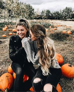 Pin by sky on bff pic ideas Tumblr Fall Pictures, Fall Tumblr, Cute Fall Pictures, Best Friend Pictures, Bff Pictures, Roommate Pictures, October Pictures, Besties, Bestfriends