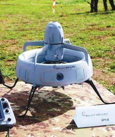 SPYBALL-B micro UAS。イタリアに拠点を置くSELEX Galileoによって発表された監視などに対応するUAS(無人航空機システム)。分解して兵士のバックパックに収められるサイズとのこと。滞空時間は30分。