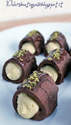 Dolci in boutique: Cannoncini al cacao e mousseline al pistacchio