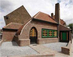 voormalige politiepost aan de Kleine Drift in Hilversum teruggebracht in oude stijl #Dudok
