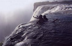 Victoria Falls, Devil's pool. Swimming on the edge.