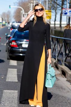 Streetstyles Paris Fashion Week F / W 2014 - our top looks .- Streetstyles Paris Fashion Week H/W 2014 – unsere Top Looks direkt zum nachshoppen flair salon talk - Muslim Fashion, Modest Fashion, Hijab Fashion, Fashion Dresses, Maxi Dresses, Korean Fashion, Fashion Week, Look Fashion, Paris Fashion
