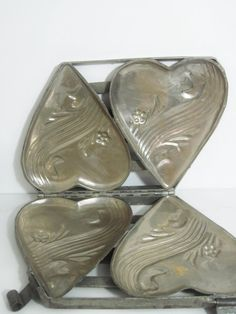 Antique Metal Chocolate Mold: Pair of Hearts
