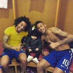 fzneymar: Marcelo & Neymar Jr. mit dem Sohn von Gabriel Paulista (29.03.2015) (via Gabriel Paulista @gpaulista5 #MiguelluccaInstagram photo | Websta)