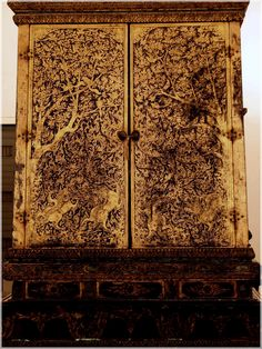 : Fun Learning traditional Thai Designs with JitdraThanee the Tutor Culture Of Thailand, Thailand Art, Thai Art, Thai Thai, Thai Design, Thai Pattern, Soul Design, Ancient Jewelry, Wood Cabinets