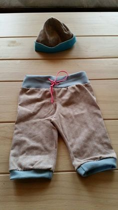 babykombi: höschen plus dazu passende Mütze Babys, Sweatpants, Fashion, Trousers, Kids, Babies, Moda, Fashion Styles, Baby