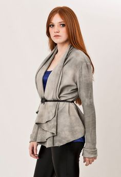 Love the raw and smooth texture of this summer jacket!