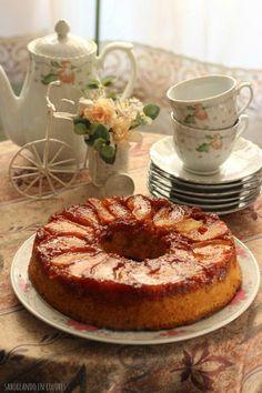 SABOREANDO EN COLORES: Tarta invertida de manzana y pera (con queso)