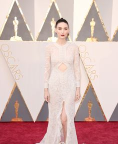 Rooney Mara in a Givenchy Haute Couture dress and Fred Leighton jewelry