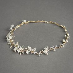Bridal Jewelry I bet our wire wrappers could make tiaras! Heavenly halo, straight off the workbench - Stylish Jewelry, Cute Jewelry, Hair Jewelry, Wedding Jewelry, Fashion Jewelry, Gold Jewellery, Silver Jewelry, Headpiece Wedding, Bridal Headpieces