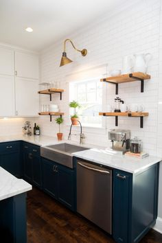 67 New Ideas For Farmhouse Kitchen Shelves Open Cabinets Fixer Upper Kitchen Shelves, Kitchen Redo, New Kitchen, Kitchen Dining, Open Shelves, Kitchen Ideas, Window Shelves, Kitchen Country, Kitchen White