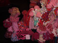 So many different types of yarn so many styles from the same patterns. Pink Yellow, Red And Pink, Types Of Yarn, Sea, Patterns, Crochet, Painting, Style, Block Prints