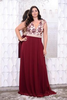 Read more. vestido de festa marsala plus size fino traje. Bridesmaid Dresses, Prom Dresses, Formal Dresses, Wedding Dresses, Niagara Falls Usa, Plus Size Dresses, Plus Size Outfits, Plus Size Fashion, Evening Dresses