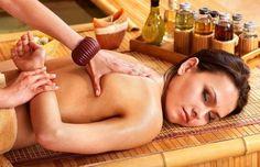 """Cuida la salud de tus huesos gracias a esta técnica ayurvédica. Asthi significa """"hueso"""". El asthi dhatu le brinda la estructura sólida al cuerpo. En el cuerpo físico, el asthi dhatu se forma a medida que el posaka medas dhatu (tejido adiposo inestable) desemboca en el purisha dhara kala y es digerido por el asthiagni. …"""