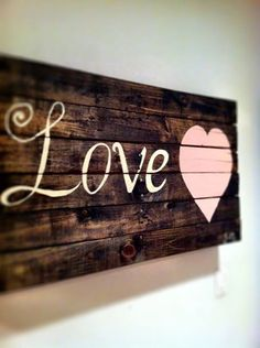My friend Michelle Bentley made this from a pallet! :)