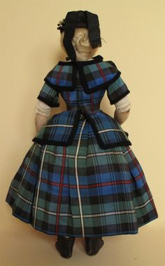 Provenance Antique Dolls and Accessories - Huret