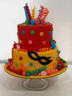 bolo decorado carnaval Carnival Cakes, Carnival Decorations, Festival Decorations, 13th Birthday Parties, 2nd Birthday, Beautiful Cakes, Amazing Cakes, Cupcake Tutorial, Birthday Cakes