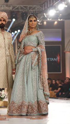 (Desi Bridal Shaadi Indian Pakistani Wedding Mehndi Walima Lehenga / #desibridal #indianbridal #pakistanibridal #indianwedding #pakistaniwedding #desiwedding #wedding #shaadi #lehenga #bridal #mehndi #walima)