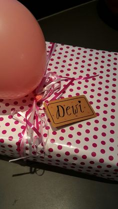 #handlettering #cadeau #present #ballon