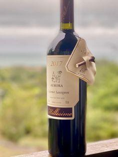 Aurora Millésime Cabernet Sauvignon 2017 – o ícone da Vinícola Aurora Aurora, Cabernet Sauvignon, Wine, Bottle, Drinks, Red Wine, Drinking, Beverages, Flask