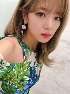 Jeongyeon surprised fans in Kakao group chat by showing up, chatting and posting rare never-before-seen selfies :O Suwon, Nayeon, Kpop Girl Groups, Korean Girl Groups, Kpop Girls, The Band, Twice Jungyeon, Twice Kpop, Extended Play
