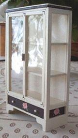 Detailed instructions & templates for glass-fronted cabinet | Source: Le Petit Monde de la Fee Erie