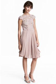 Plisowana sukienka - Pudroworóżowy - ONA | H&M PL 1