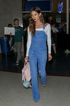 Die Stars sind (wieder) auf den Geschmack gekommen – sie tragen Latzhose. Hier: Lily Aldridge.
