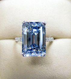 Blue Diamond ~ 35 Gorgeous Diamonds - Style Estate -